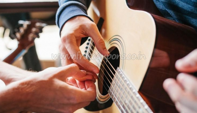 Learn to Play Guitar In 20 Days-Guitar Beginner Lessons
